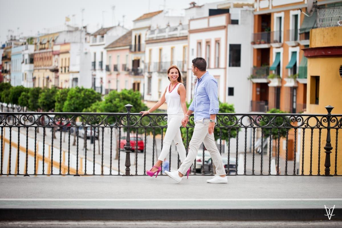 Foto de paseo por el Puente de Triana