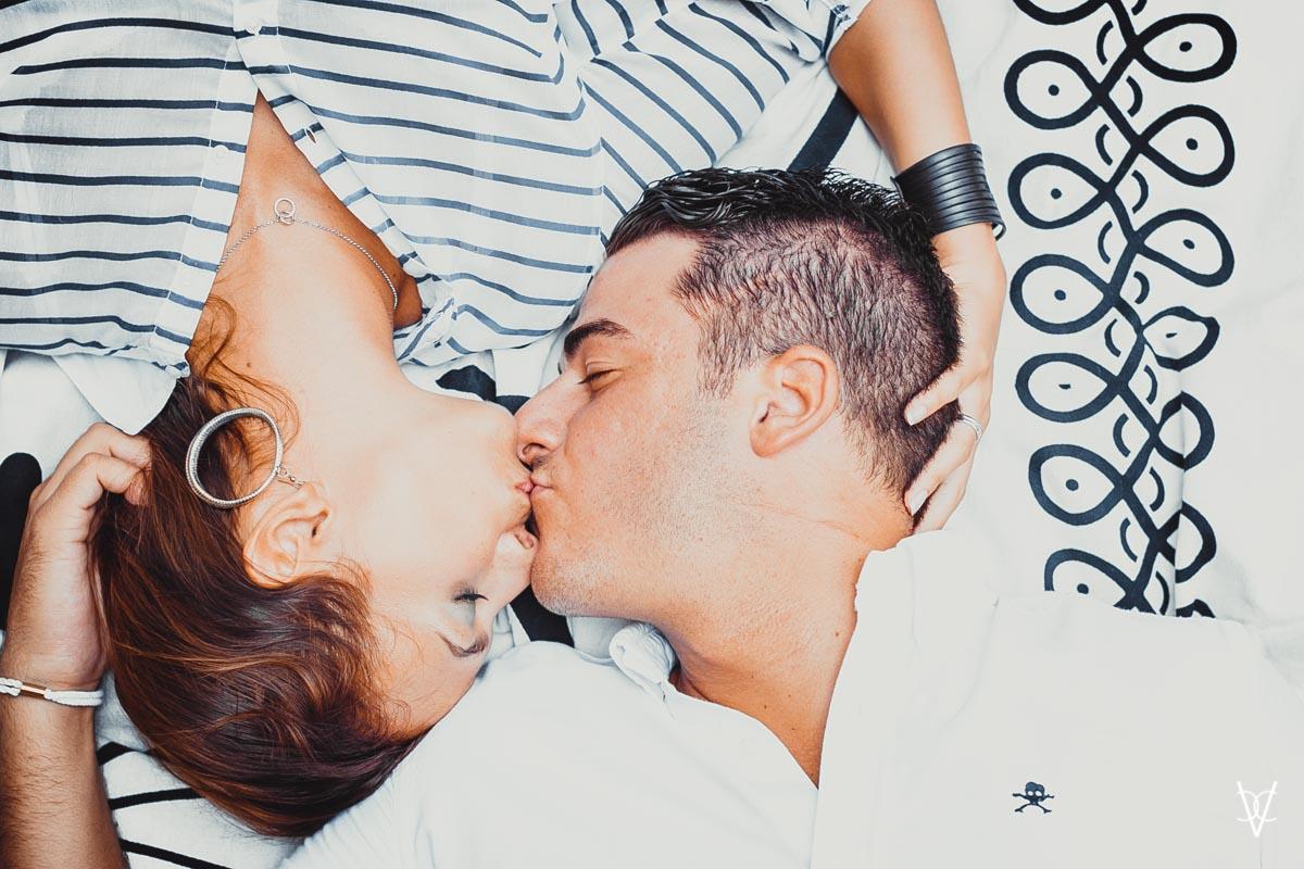 Fotos de preboda en Triana beso