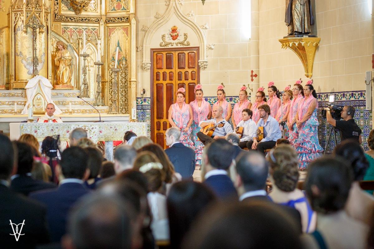 Coro rociero en la misa