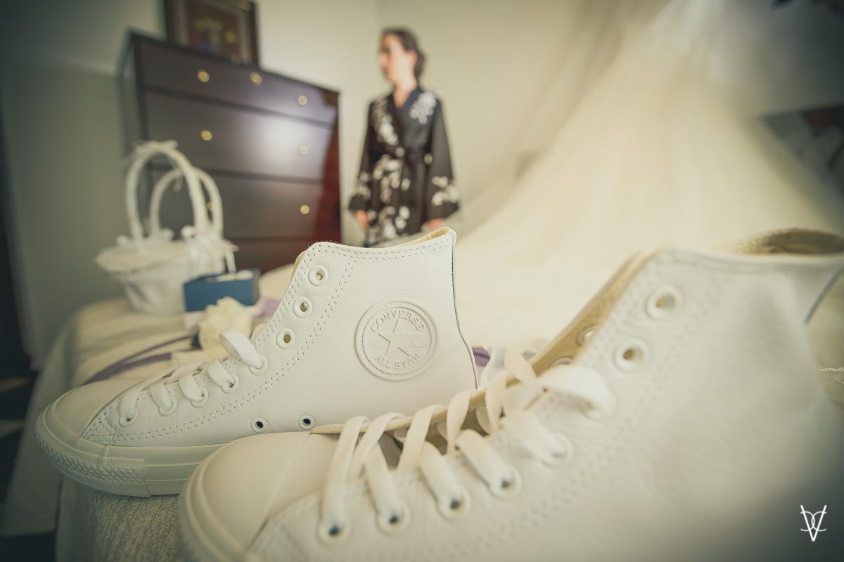 Foto detalle zapatillas CONVERSE de la novia