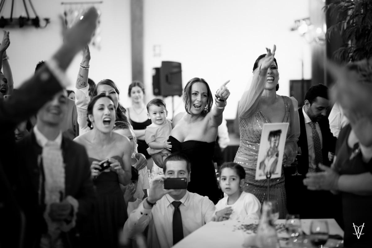 Foto familia cantando