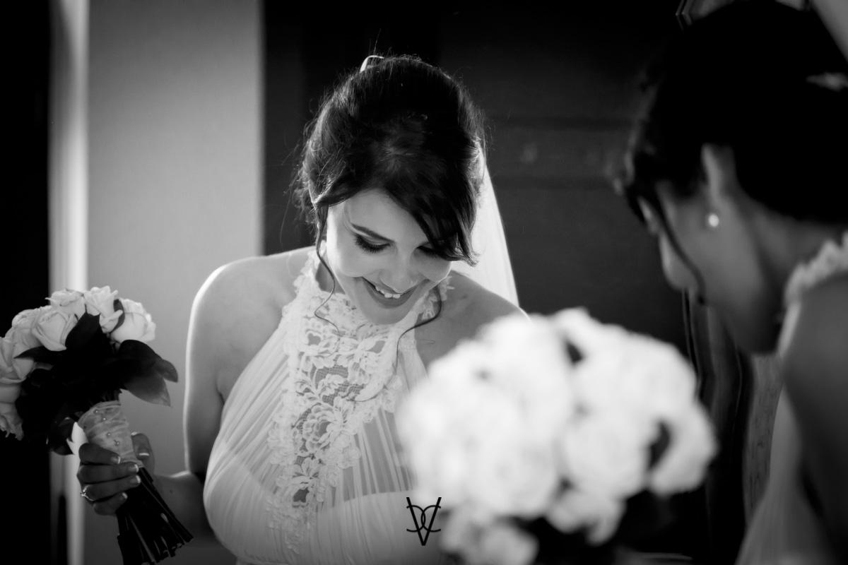 Novia al espejo fotógrafo boda Sevilla